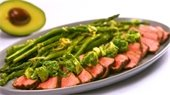 AvocadoChimichurri-Steak-with-Grilled-Asparagus