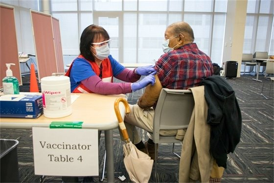 One U.S. State's Laser Focus on Data Helps Shrink Racial Vaccine Gap